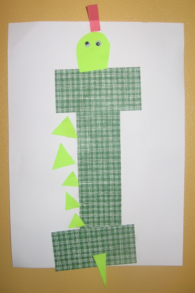 iguana craft 682x1024 7 Fun Crafts for the Letter I