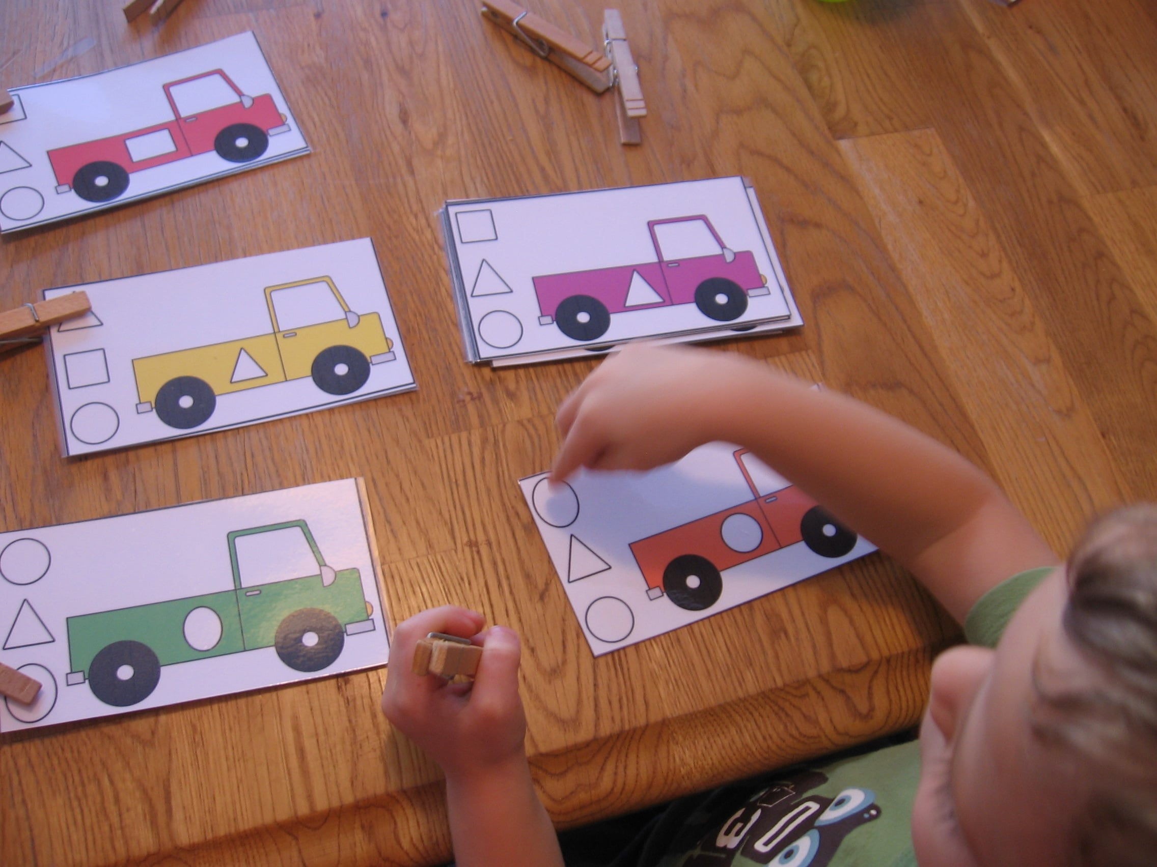10 Preschool Math Activities The Letter T on Letter H Crafts