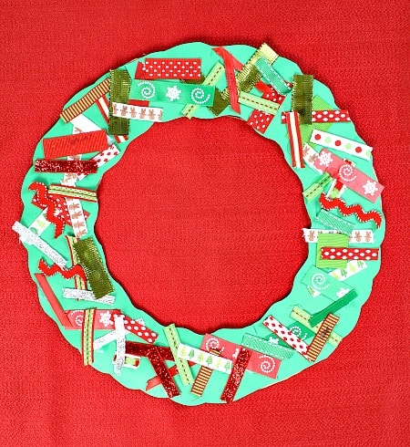 Wreath Craft for Kids Last minute Christmas decorations (that your kids can make!)    plus a new After School Linky