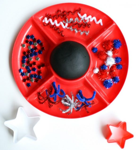 4th of July crafts - fireworks play dough