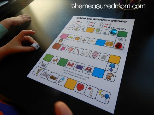 Try these free ending sound games to help kids hear ending sounds in words!