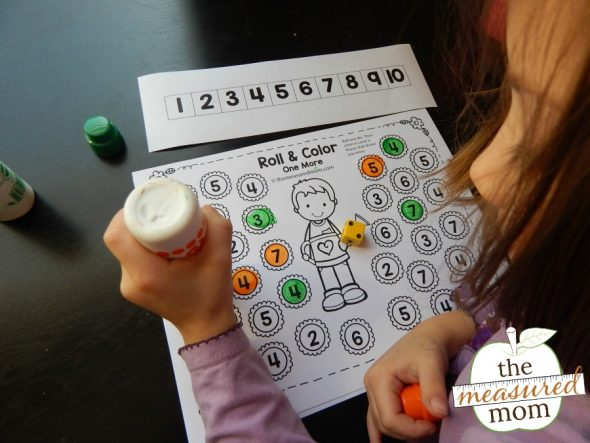 These free spring roll and color games will help young learners learn to add one and subtract one.